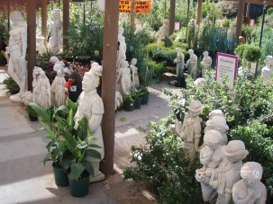 CE_Marble statue display_WEBSITE